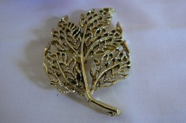 Beautiful Vintage Gerry's Large Gold Tone Filigree Branch Brooch - $9.89