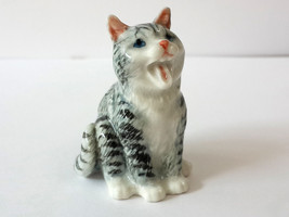 Handmade Dollhouse Miniatures Ceramic Porcelain Smiling Cat FIGURINE - $4.70
