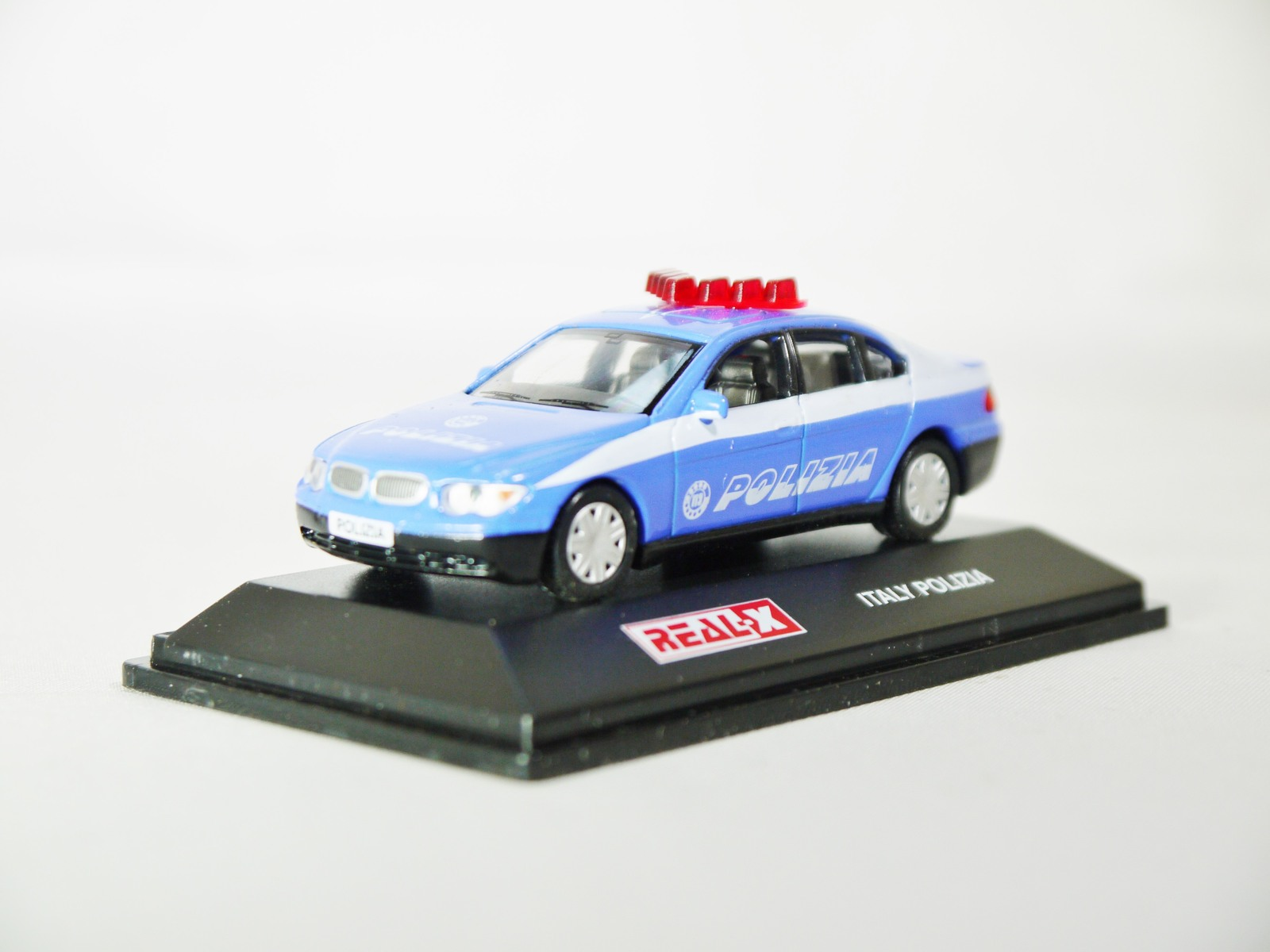 Real x collection 1 72 italy polizia car 519   bmw 7 series patrol car   02
