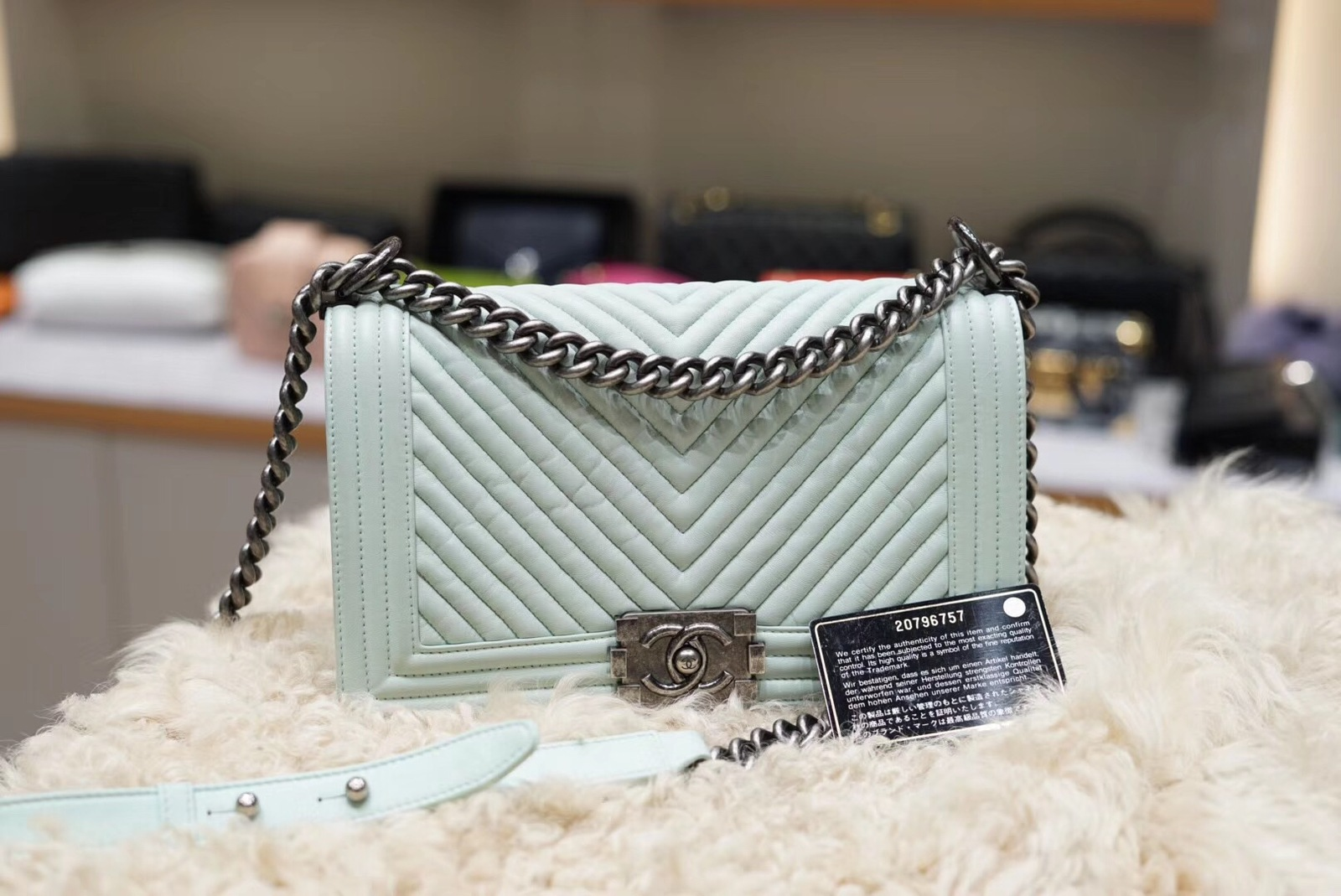 AUTHENTIC CHANEL MINT GREEN LEATHER CHEVRON QUILTED MEDIUM BOY FLAP BAG RHW