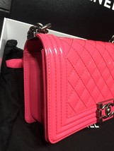 NEW AUTH CHANEL PINK QUILTED PATENT LEATHER MEDIUM BOY FLAP BAG  image 8