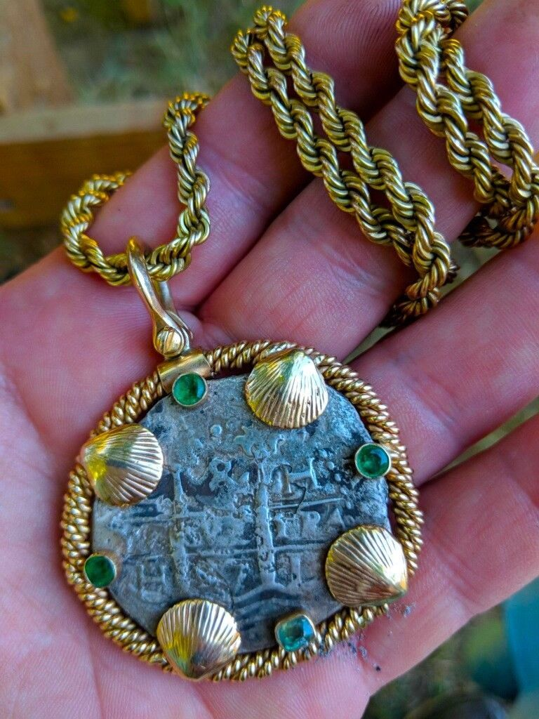 Primary image for PENDANT 1697 PERU 8 REALES PIRATE GOLD TREASURE SILVER COIN & EMERALDS JEWELRY