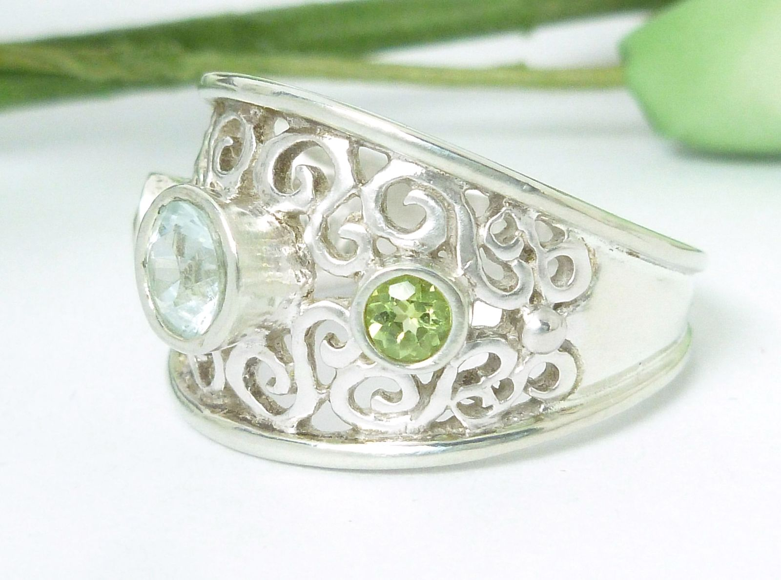Sky Blue Topaz and Peridot Oxidized Band Sterling Silver Ring Size 7
