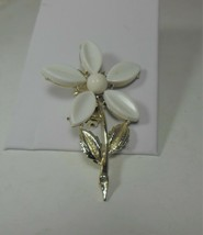 Gold Tone & White Plastic Flower Pin - $12.86