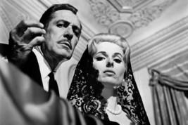 Vincent Price and Martha Hyer in La casa de las mil munecas House of 100... - $23.99