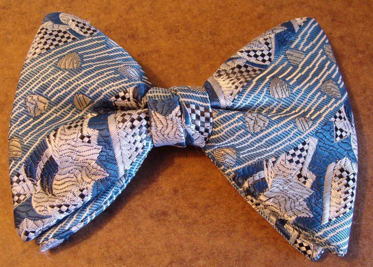 Vintage Ormond Rust Resist Patterned Blue / Gray Clip On Butterfly Bow Tie