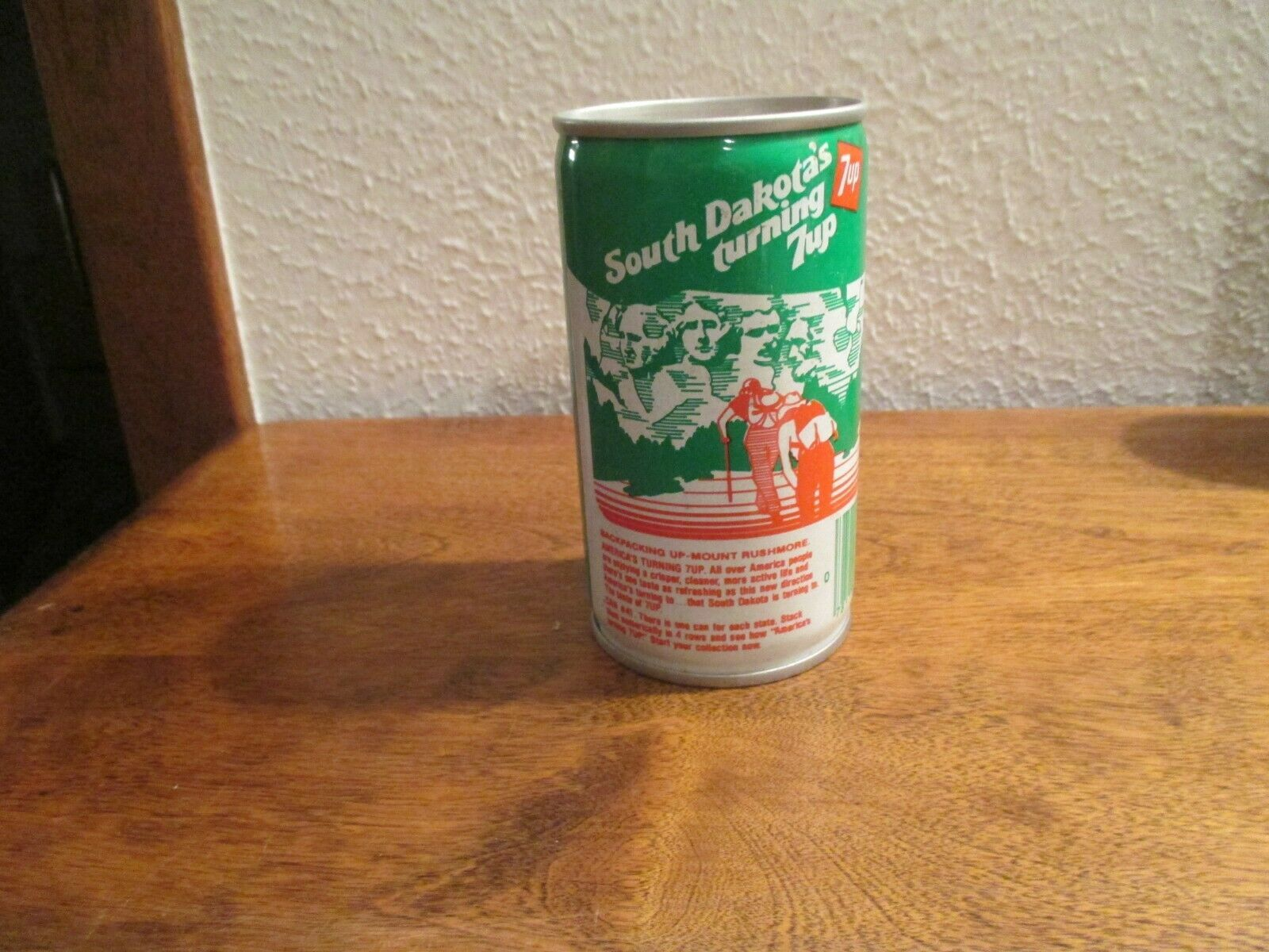 Primary image for South Dakota SD Turning 7up vintage pop soda metal can Mount Rushmore