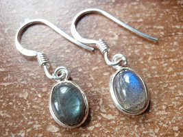 Small Labradorite Oval Ellipse 925 Sterling Silver Dangle Earrings New 760o - $11.87