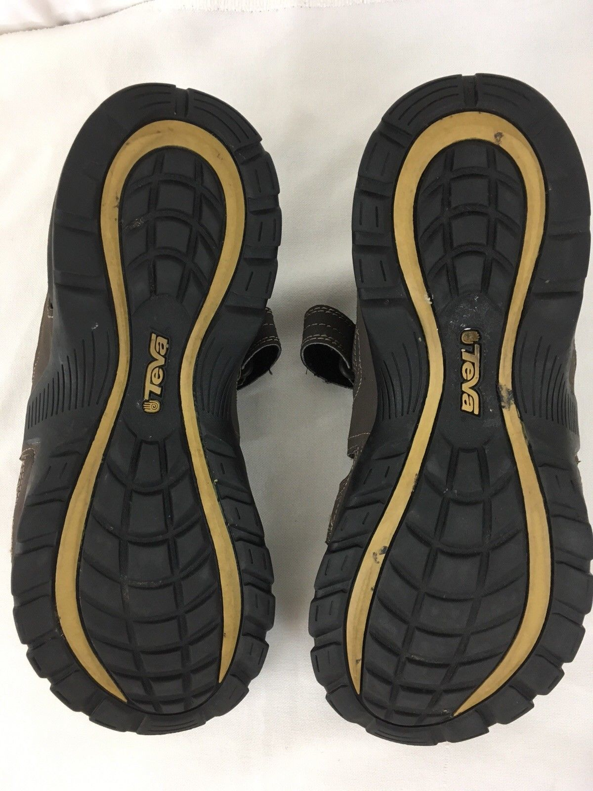 38a1189158457 Teva Forebay S N 1001116 ShocPad Mens 10 Brown Fisherman Shoe Sandals