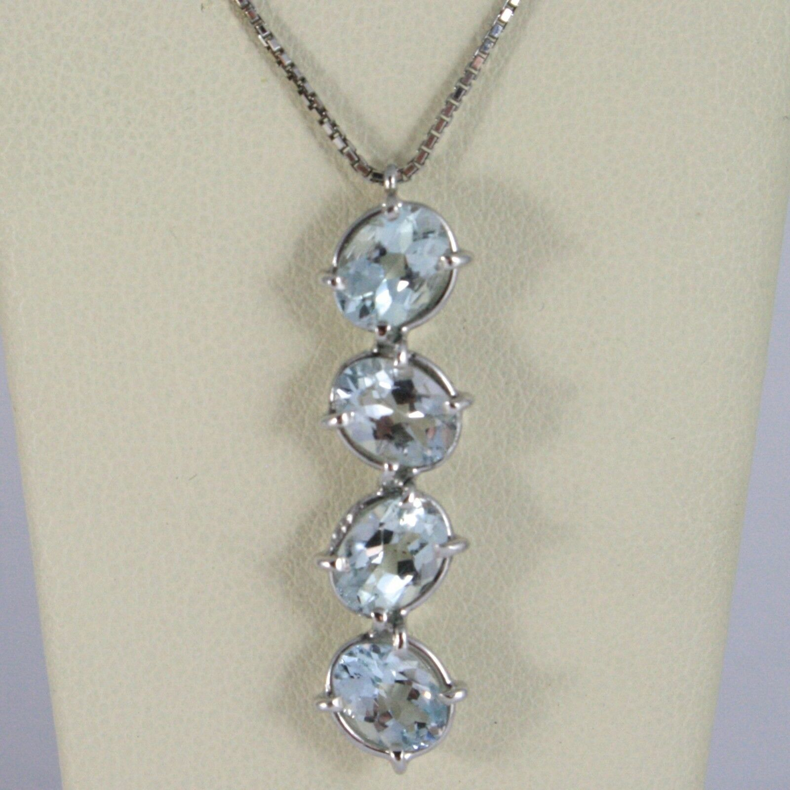 18K WHITE GOLD NECKLACE, OVAL CUT 4 AQUAMARINE PENDANT WITH VENETIAN CHAIN