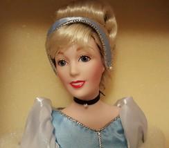 """Franklin Mint Heirloom CINDERELLA Disney Character Porcelain Doll 15"""" - $173.24"""