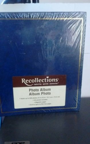 Primary image for Reflections Navy Photo Album Sealed Holds 200 4x6 photos magnetic pages