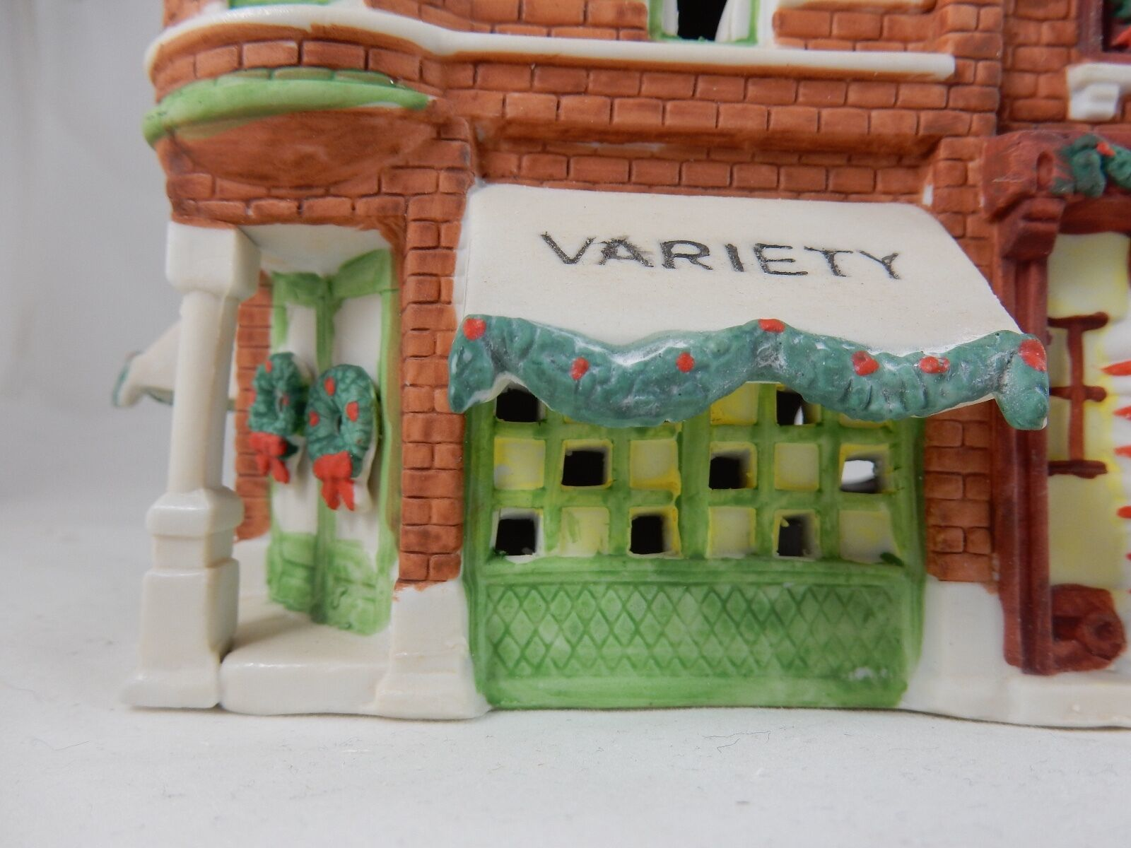 Primary image for Department 56 Christmas in the City Variety Store & Barbershop w/Box  (15)