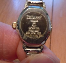 Vintage Embassy Quartz Ladies Watch Gold Tone Stretch Band image 6
