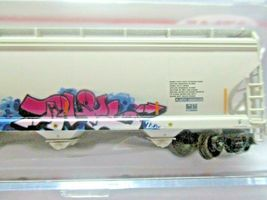 Atlas # 50005645 (Chrstmas Graffiti) ACF 580 Plastics Hopper #66122 N-Scale image 6