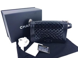 AUTHENTIC CHANEL BLACK PATENT QUILTED LEATHER NEW MEDIUM BOY FLAP BAG PLEXIGLASS image 8