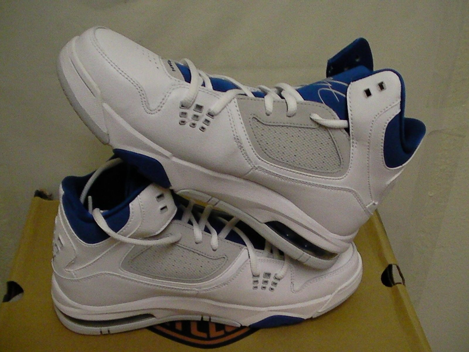 newest 2eaf5 72ecd Jordan flight 23 (GS) basketball shoes size 6.5 Youth new