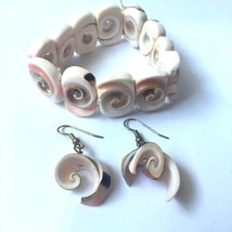Vintage Seashell Bracelet Dangle Earrings Pierced Stretch Shell Nautical... - $19.75