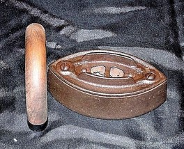 No 3 SAD Iron with G on the Wood Handle AB 565-C Antique image 2