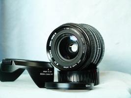 Pentacon PB Mount 28MM 2.8 Prime Wide Angle Macro Lens + Hood - Nice Set- - $20.00