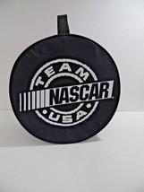 Picnic Tailgating Set TEAM NASCAR USA Kit Case Plates Utensils 4 Zip Handle - $212,87 MXN