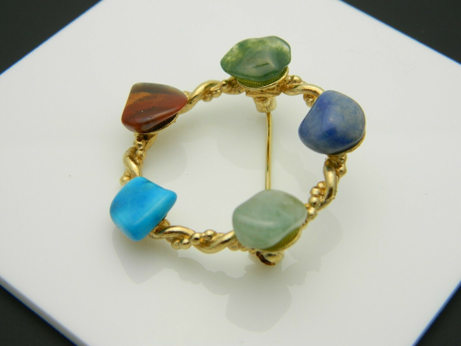 Multi-Color Polished Gemstone Circle Wreath Gold Tone Vintage Pin Brooch
