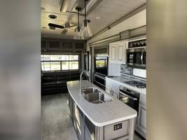 2020 KEYSTONE MONTANA 3781RL FOR SALE IN Middleburg, Fl 32068 image 3