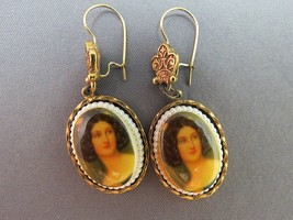 VTG ART Cameo Style Dangle Earrings Seed Pearl Style Trim Gold Plated Wi... - $27.71