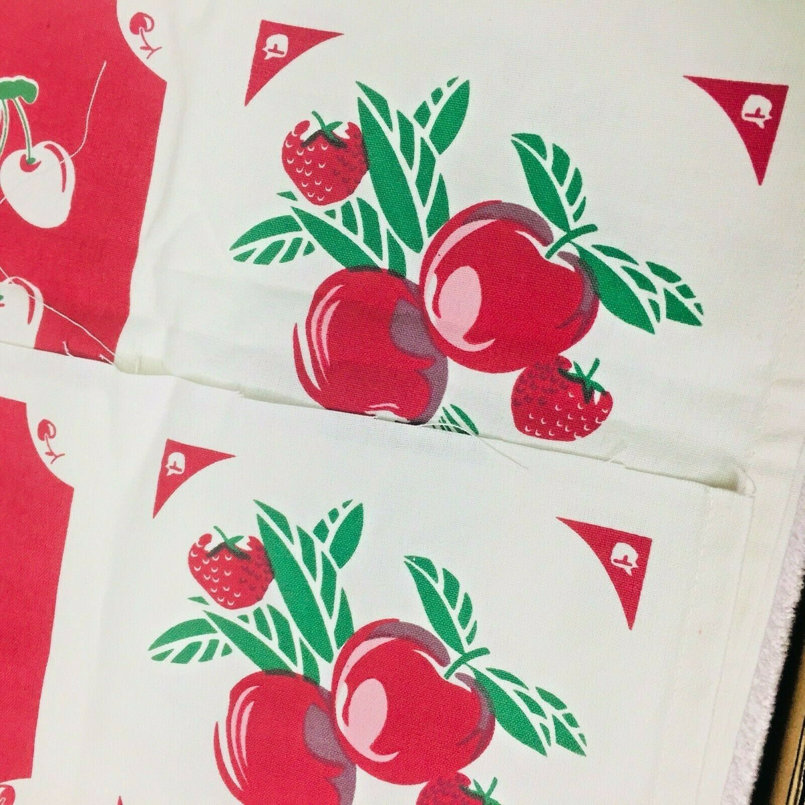 Reproduction Kitchen Toweling Towel Fabric Unsewn Red Cream Green Cherries Apple image 5