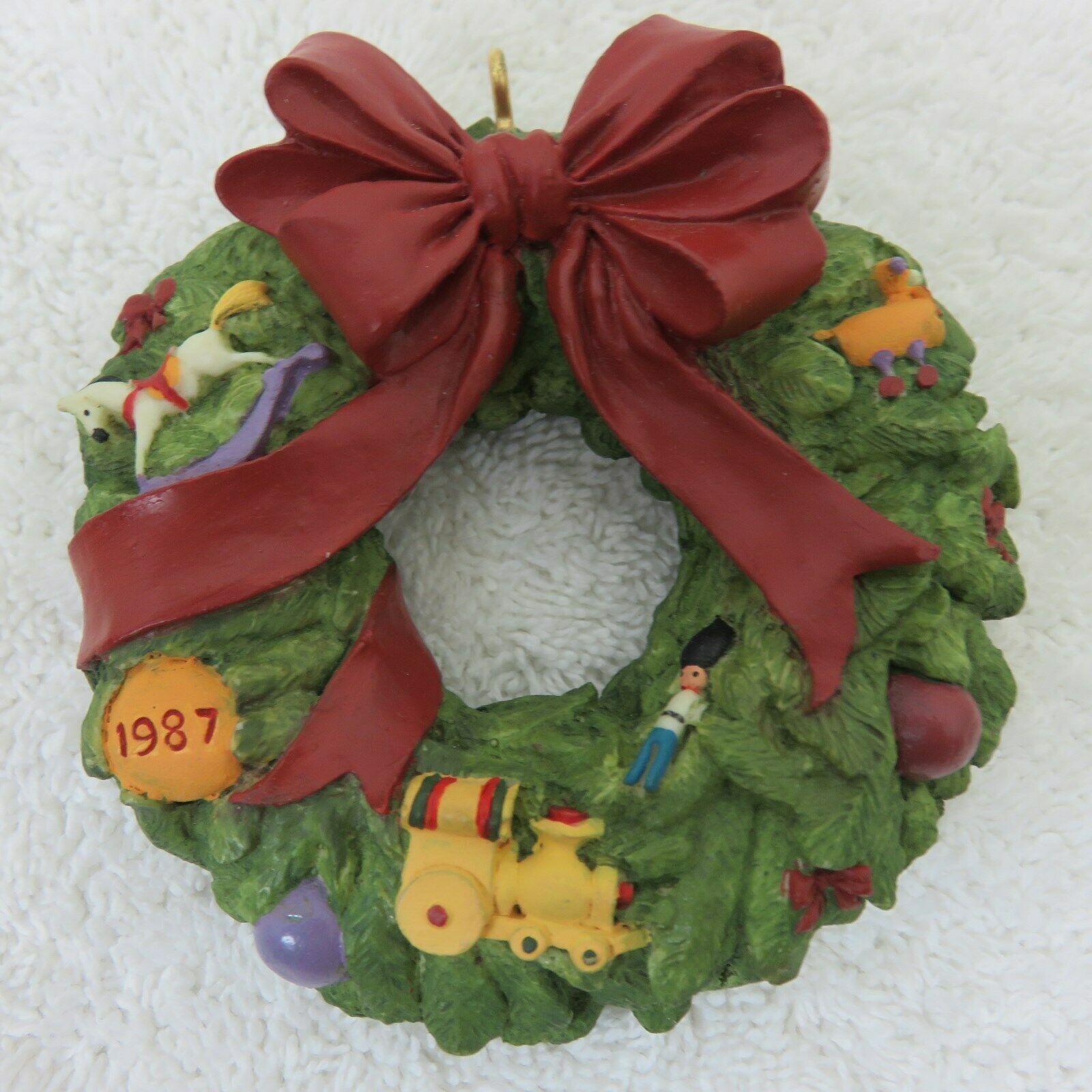Vintage 1987 Hallmark Keepsake Ornament Wreath of Memories in Original Box