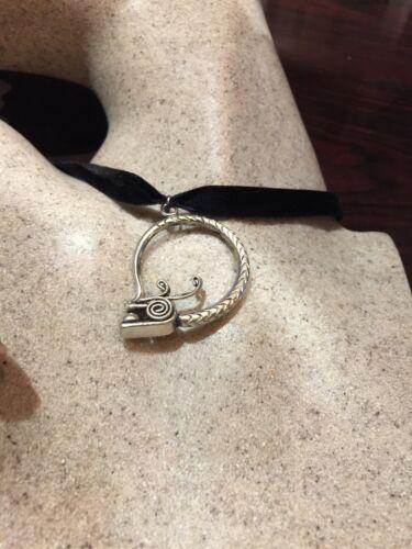 Vintage Argent Bronze Repos Dragon Serpent Amulette Pendentif Collier