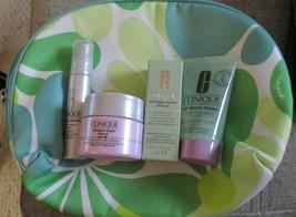Clinique 4-piece Smart Skin Care & Makeup Bag NEW - $19.75