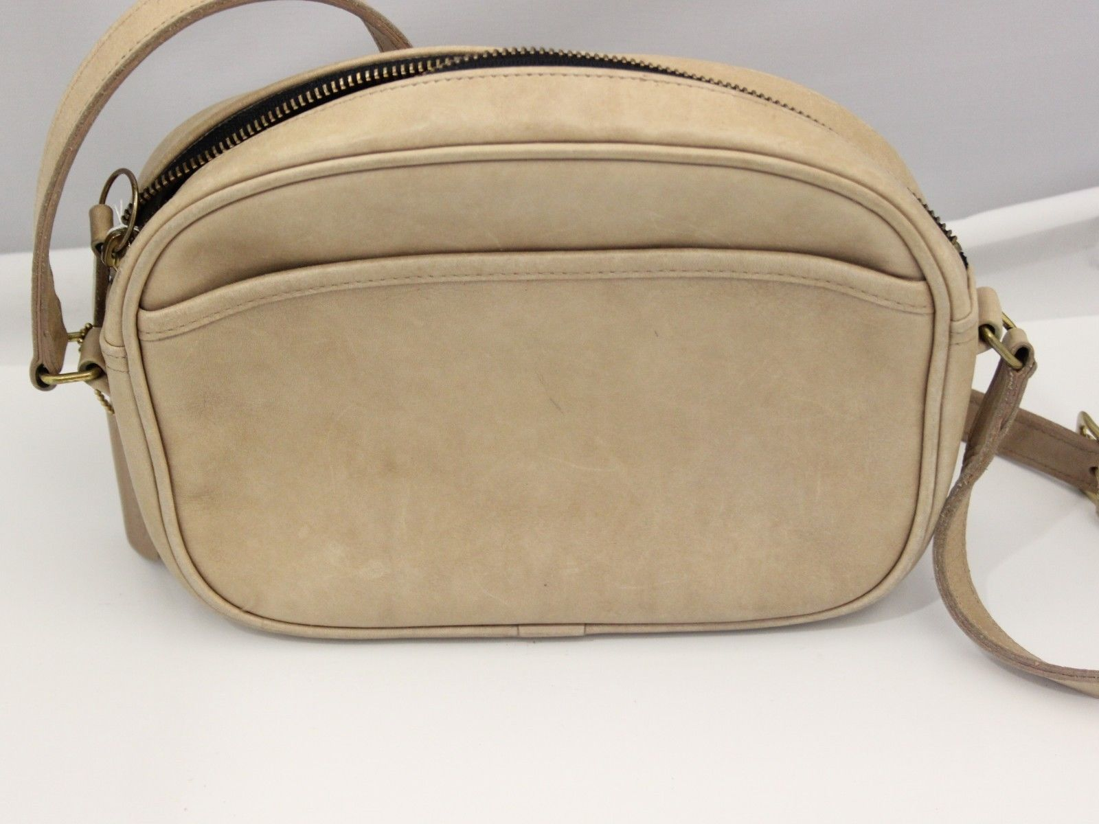 Vintage Cross Body Beige Coach shoulder bag