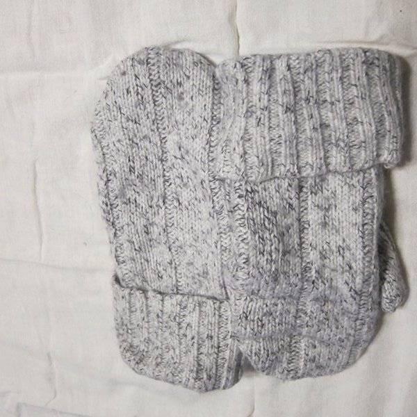 Recycled Handmade Wool Ladies Teens Mittens White/Black Size M/L