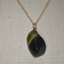 Emmons Green Tiger's Eye Stone Pendant Gold Tone Necklace Vintage - $29.69