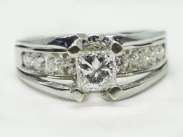 18k White Gold Princess Cut 1.00ct tw Helzberg Diamond Engagement Ring Size 6.5 - $2,300.00