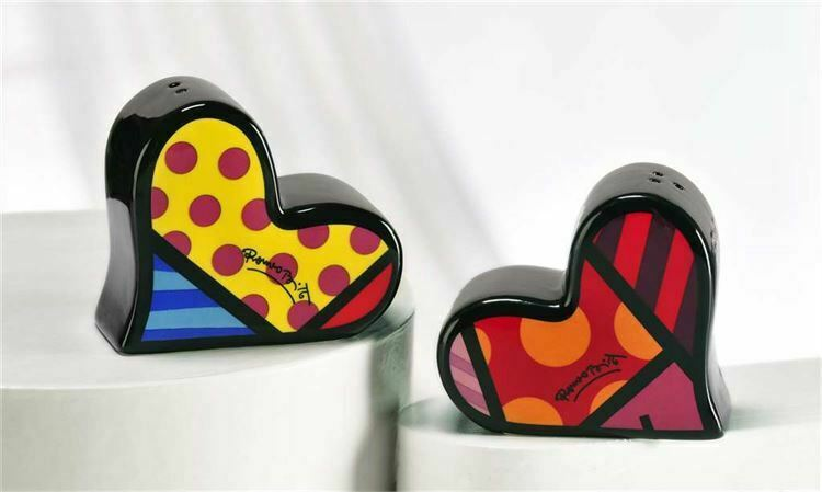 Romero Britto Salt & Pepper Shakers Hearts Design #339049