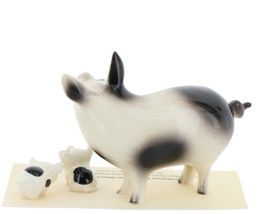 Hagen Renaker Miniature Pig Black and White Papa and Piglets - Set of 3 image 5