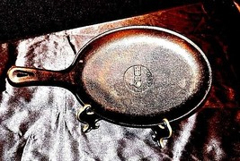 Oval Cast-Iron Skillet Lodge USA AA18 - 1124 Vintage