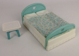 Fisher Price Loving Family Dream Dollhouse Toys Double Bed Vintage 1993/94 - $17.77