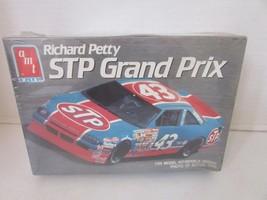 AMT 6728 RICHARD PETTY STP GRAND PRIX CAR MODEL KIT SEALED 1990 1/25 - $15.96
