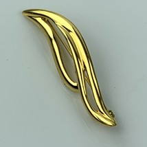 """VTG Gold Tone MONET Wave Swirl Abstract Leaf Pin Brooch 2.25"""" - $16.79"""