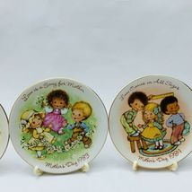 Avon Mothers Day Plates Set of 11 with Easels 1981-1991 image 7