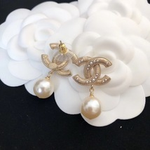 SALE* AUTHENTIC CHANEL LARGE CC LOGO PEARL GOLD DANGLE DROP EARRINGS image 3