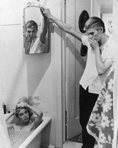 David Bowie and Candy Clark in The Man Who Fell to Earth taking a bath 16x20 Can - $69.99