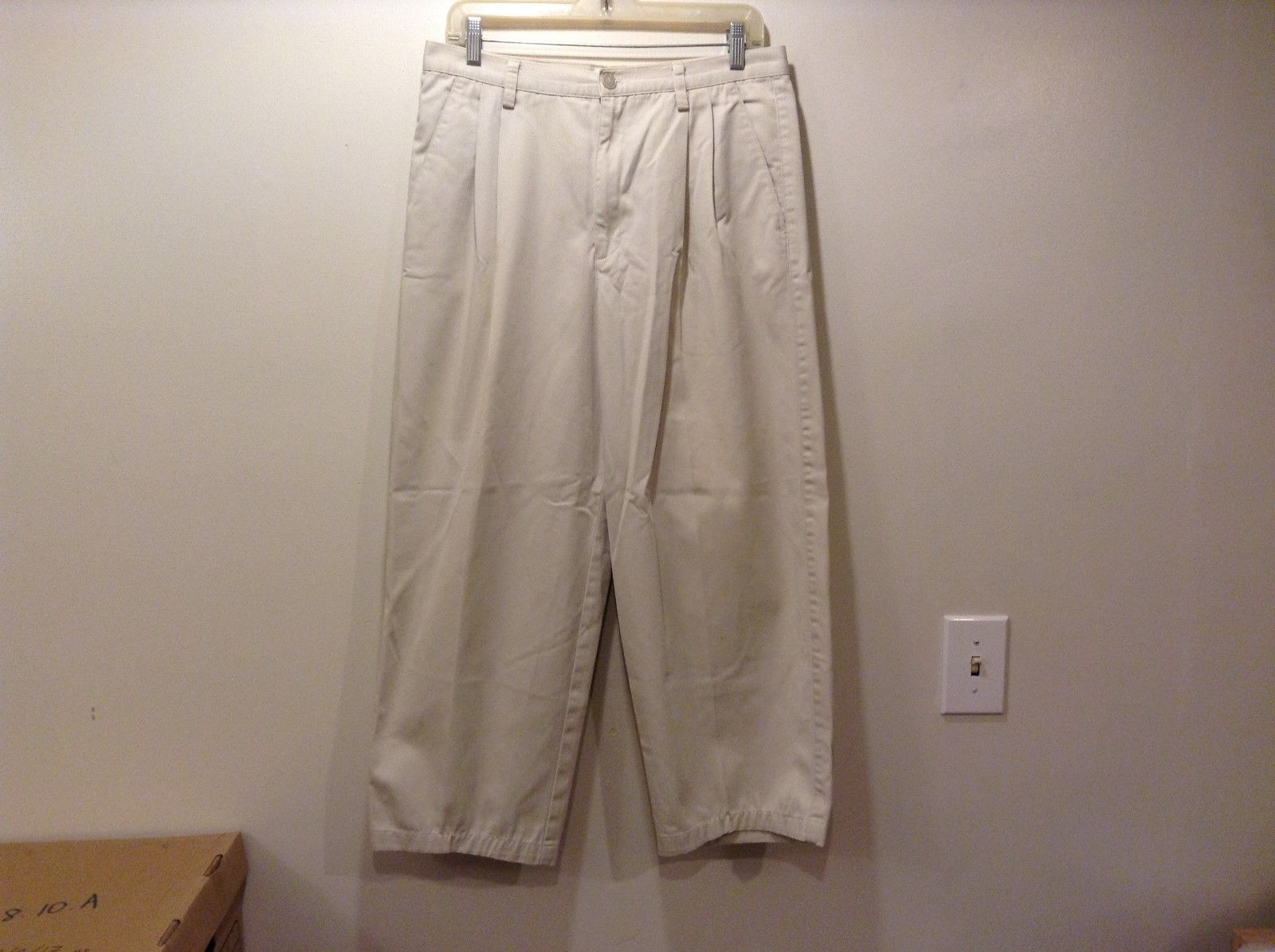 GAP Wrinkle Resistant White Cropped Pants Sz 12R