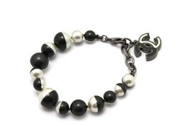 60 Auth Chanel costume pearl bracelet A16B - $738.23