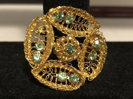 Vintage Goldtone Leaf Pattern Pin With Light green Gems - £4.78 GBP