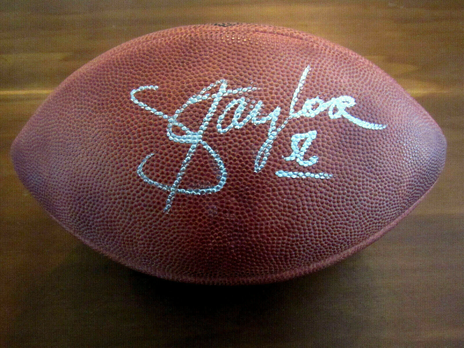 Primary image for LAWRENCE TAYLOR GIANTS HOF SIGNED AUTO WILSON SUPERBOWL XXV FOOTBALL BECKETT