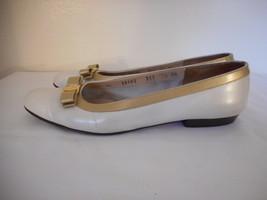 Salvatore Ferragamo Boutique Sz 7.5 4 A Creamy / Gold Womens slip on bow Shoes - $49.49